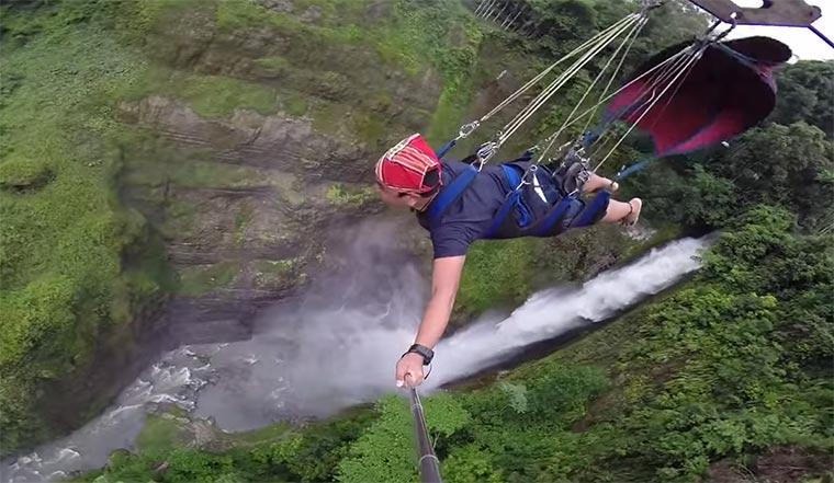 700 Meter durchs Grüne fliegen 7-falls-zipline