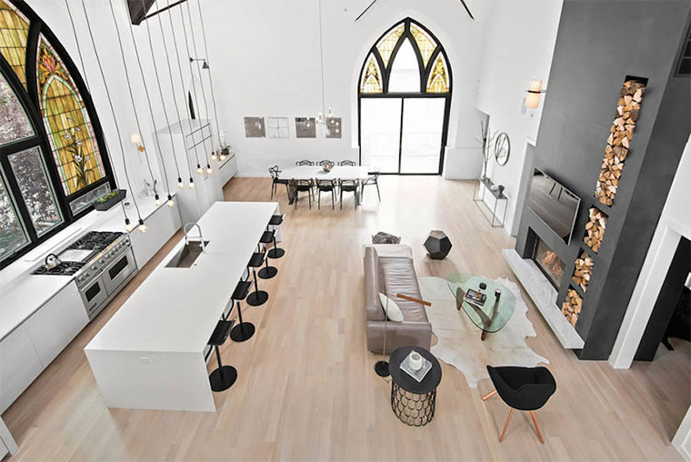 Designer-Loft in alter Kirche