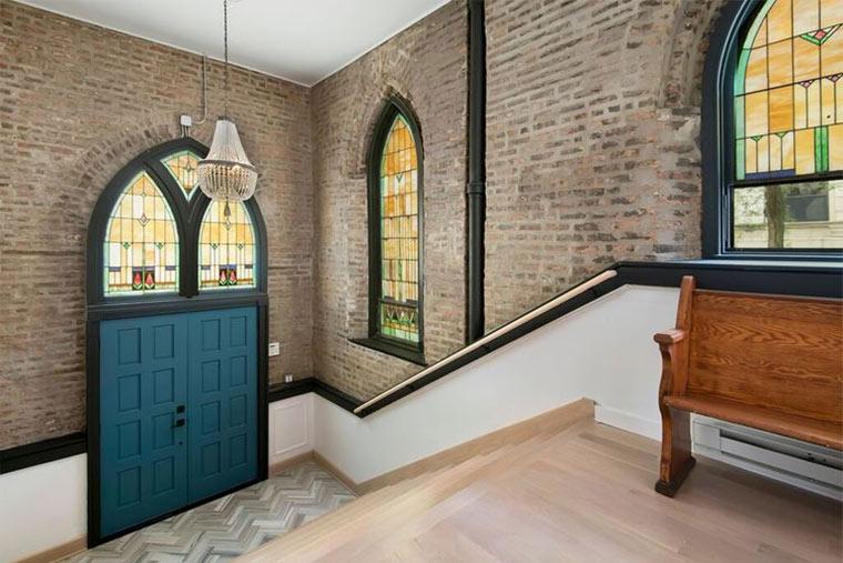 Designer-Loft in alter Kirche Church-Conversion_10