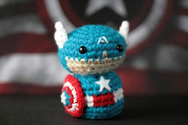 Gehäkelte Mini-Superhelden Geeky-Hooker_01