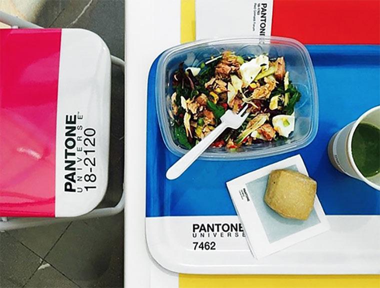 Das Pantone Café