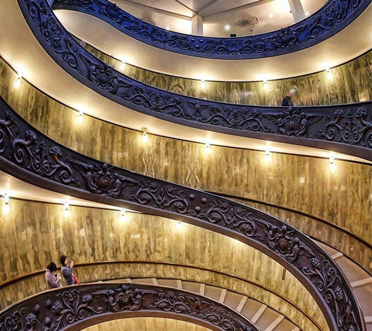 Vertikale Treppen-Panoramen Silvio-Zangarini_01