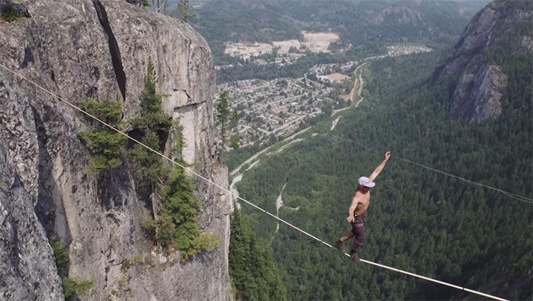 Slackline-Weltrekord in 290 Metern Höhe