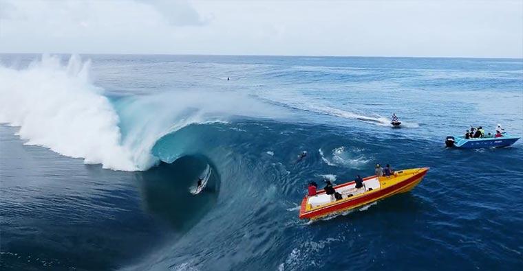 Schöner Surfen: Teahupo'o, Du Ciel TEahupoo