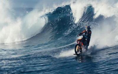 dirt-bike-surfing