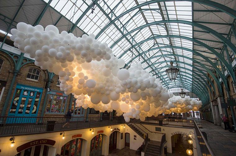 Wolkendecke aus 100.000 Luftballons Heartbeat-Petillon_03