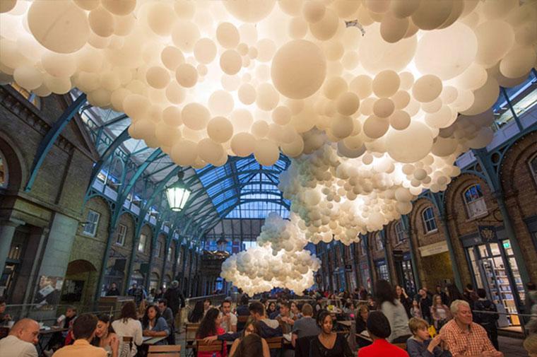 Wolkendecke aus 100.000 Luftballons Heartbeat-Petillon_04