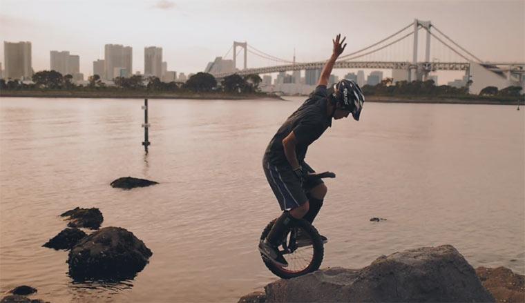 Parkour auf dem Einrad Unicycle-Trial