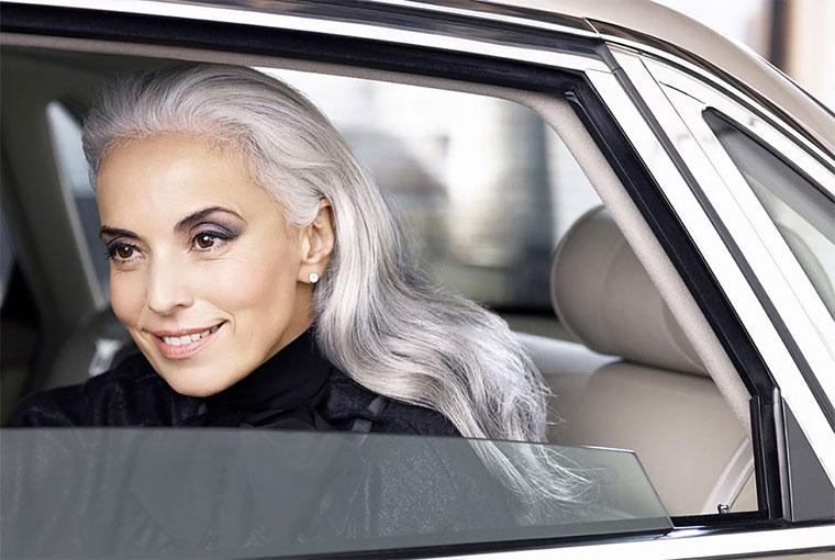 59-jährige Oma ist vielgefragtes Fashion-Model Yasmina-Rossi_01