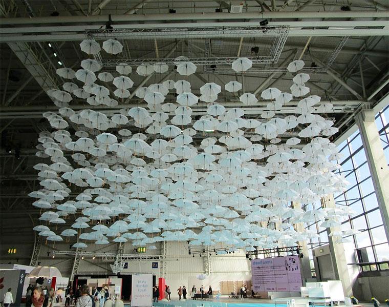 Ein Meer aus 1.100 Regenschirmen 1100umbrellas_05