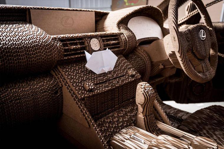 Ein Lexus aus Pappe Cardboard-Lexus_02