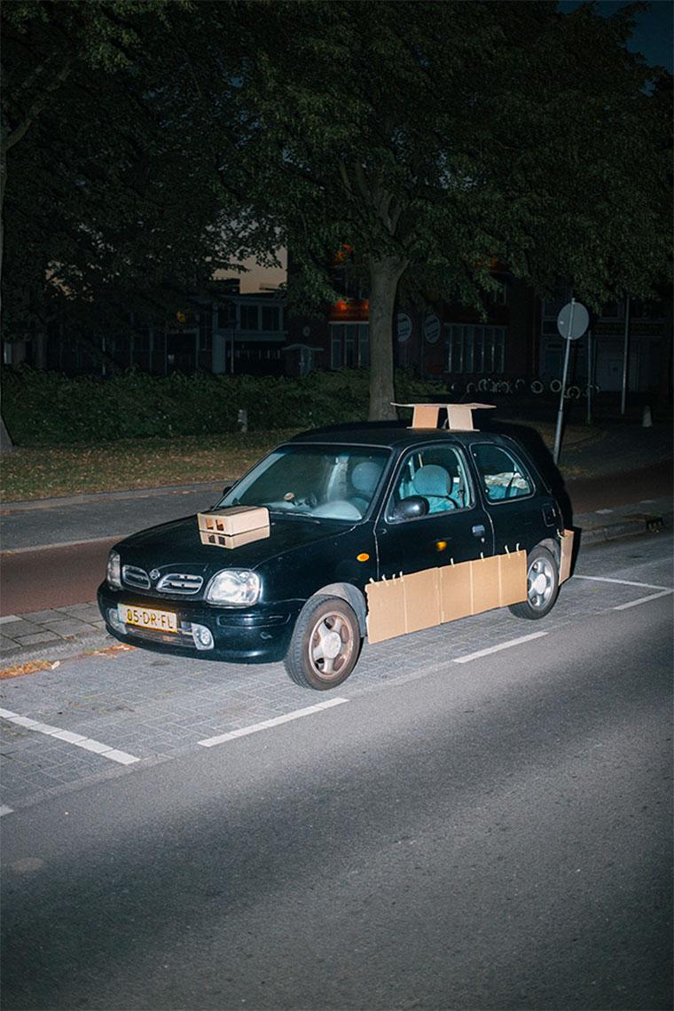 """Nachts heimlich Autos mit Pappe """"aufpimpen"""" Splashdash-Supercars_03"""