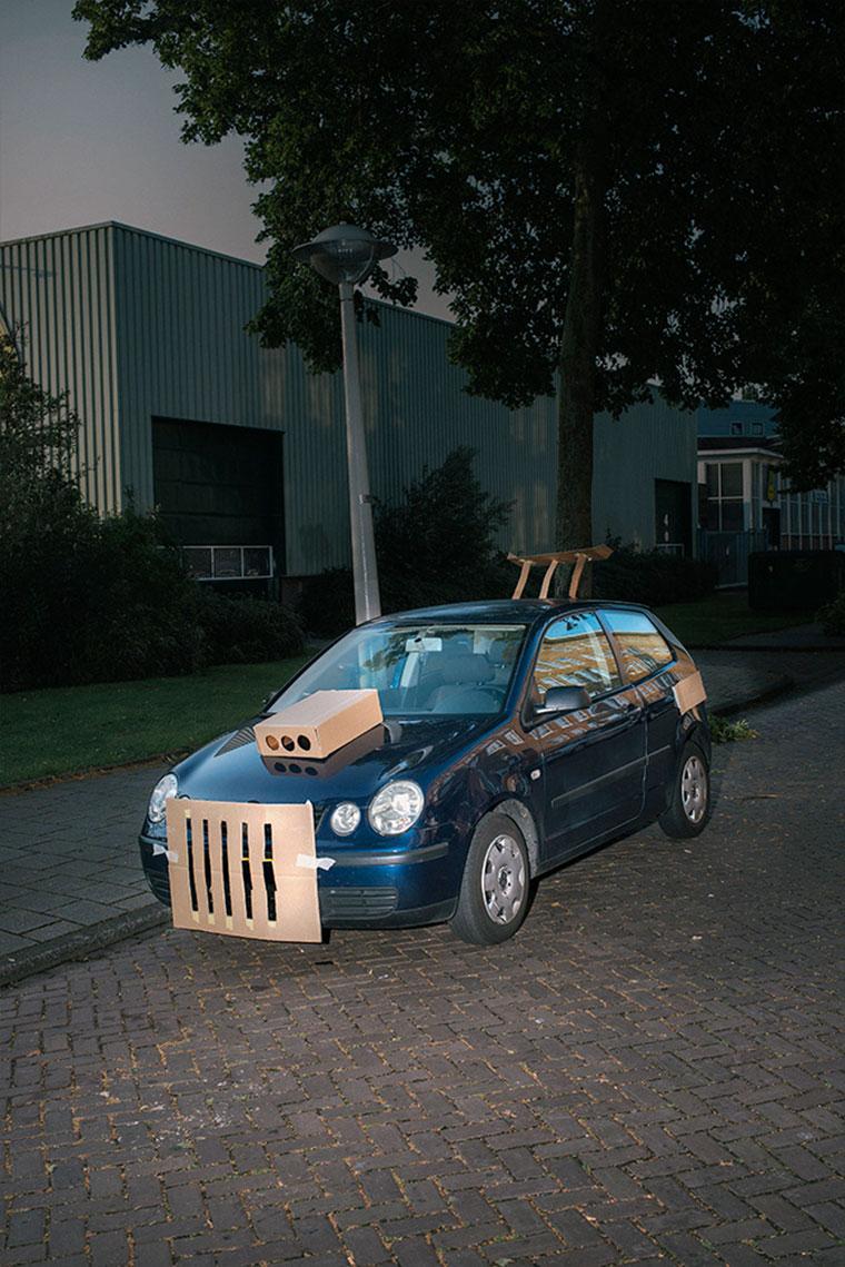 """Nachts heimlich Autos mit Pappe """"aufpimpen"""" Splashdash-Supercars_07"""