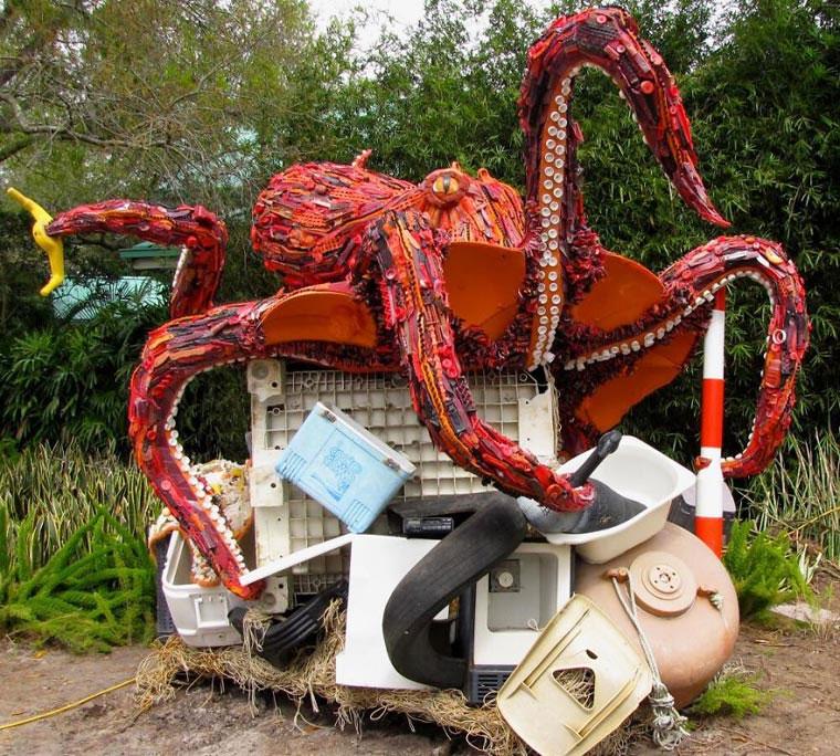 Tierskulpturen aus angeschwemmtem Müll Washed-Ashore-Project_02