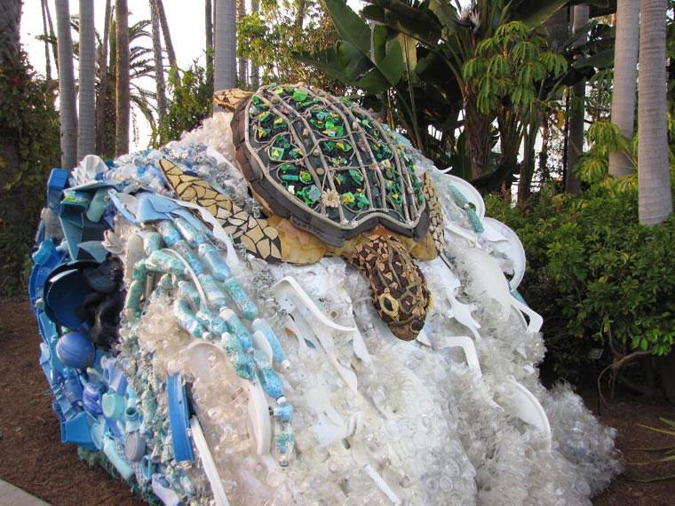 Tierskulpturen aus angeschwemmtem Müll Washed-Ashore-Project_07