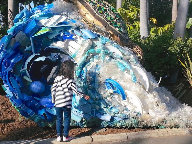 Tierskulpturen aus angeschwemmtem Müll Washed-Ashore-Project_08