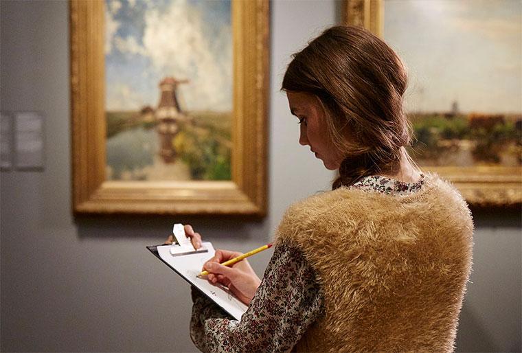 Museum verbietet Fotos & verteilt Skizzenblöcke