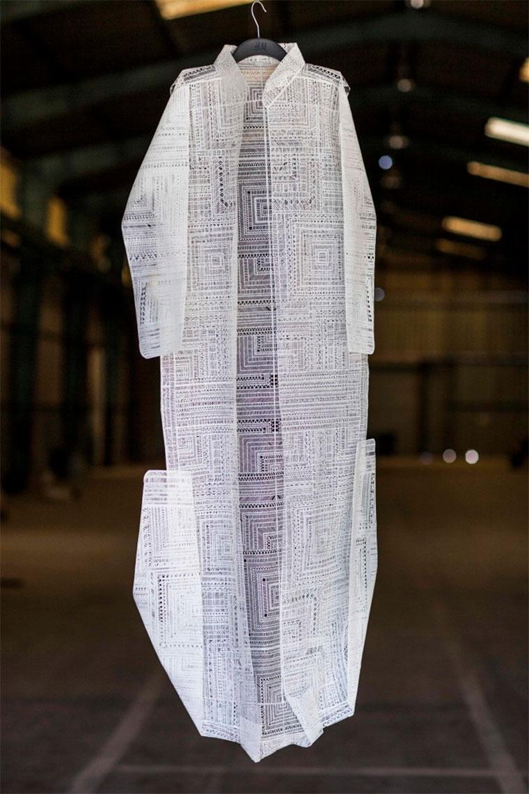 Kleidung aus Papier paper-fashion_06