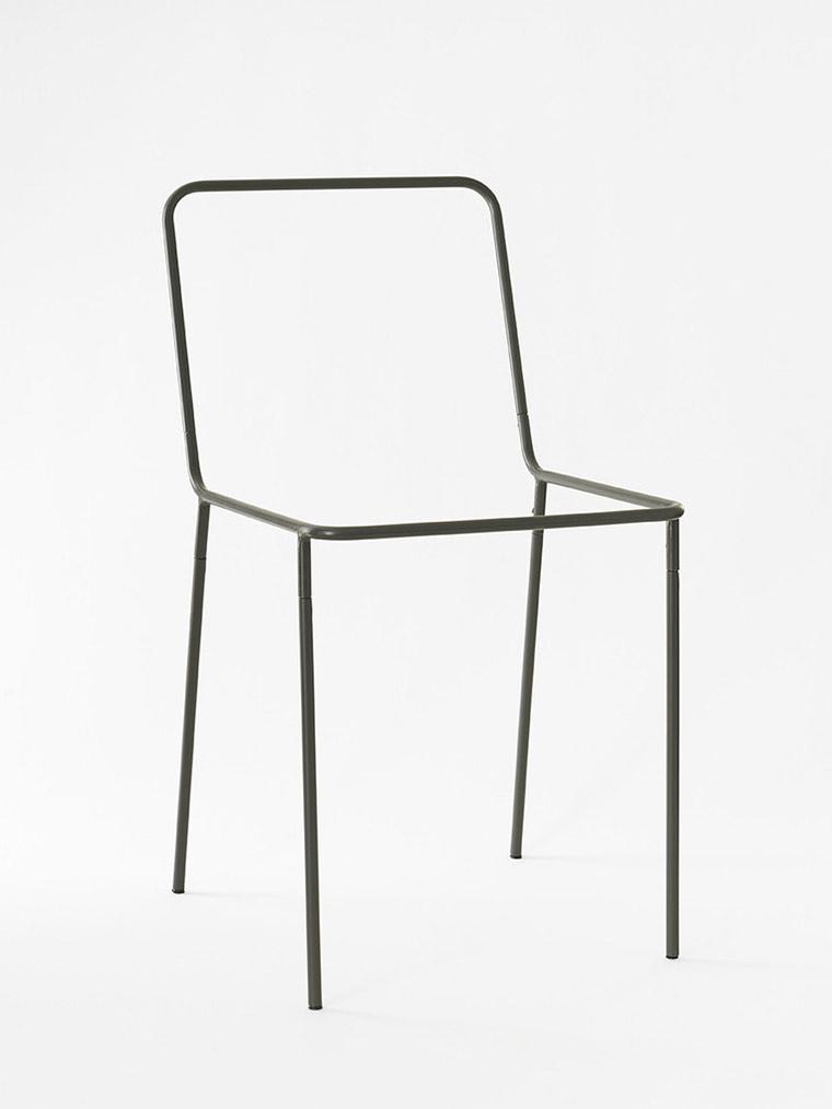 Chairdrobe als Designmöbelstück Sacrificial-Chair_02