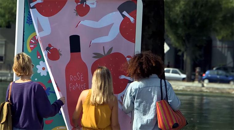Werbeplakat verschenkt Picknickdecken picnic-blanket-billboard
