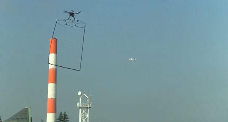 Polizeidrohnen netzen illegale Drohnen ein polizei-netzdrohne