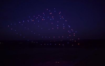 100-led-drones
