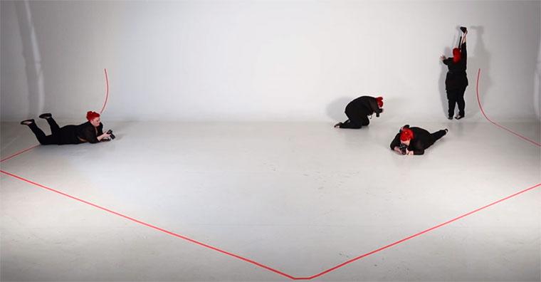 Was sechs FotografInnen aus einem leeren Raum herausholen