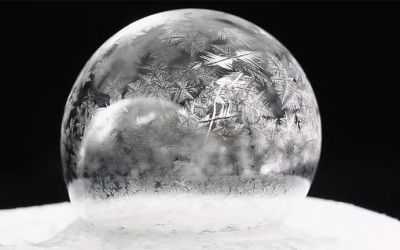 Freezing-Soap-Bubbles