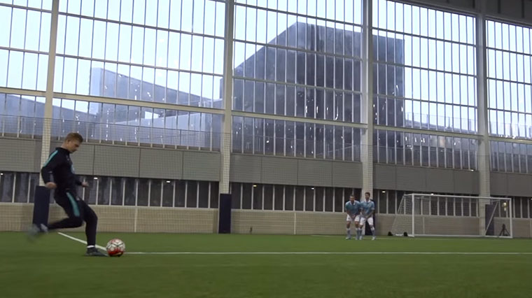 Fußball-Trickshots mit Dude Perfect Fussball-Trickshots-Dude-Perfect