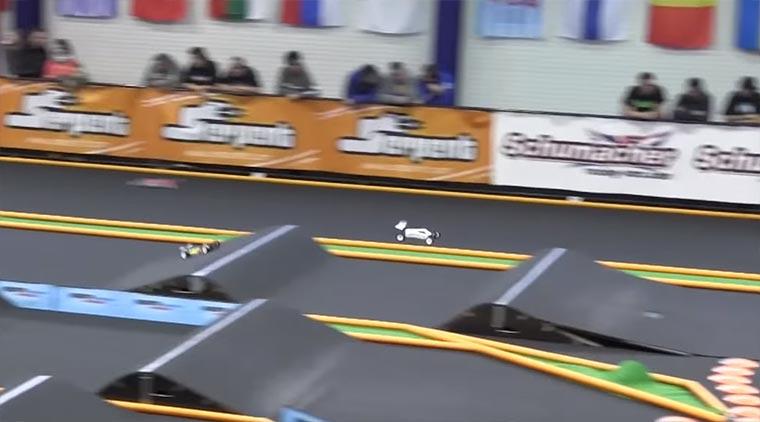 Wenn Profis mit ferngesteuerten Autos Rennen fahren RC-Car-Race