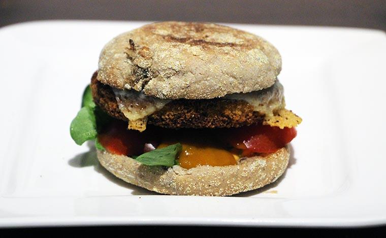 Wie wäre es mit einem Veggie-Chickenburger? Ruegenwalder-Veggie-TK_08