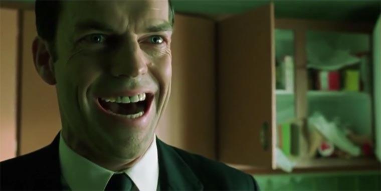 Bösewicht-Lachen am laufenden Band smiling-evil