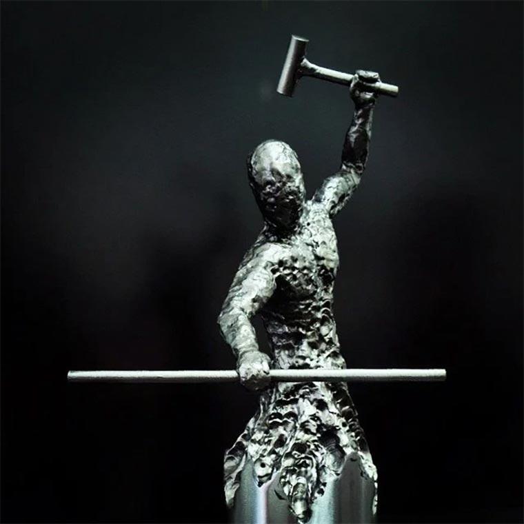 Metallskulpturen von David Madero David-Madero_06