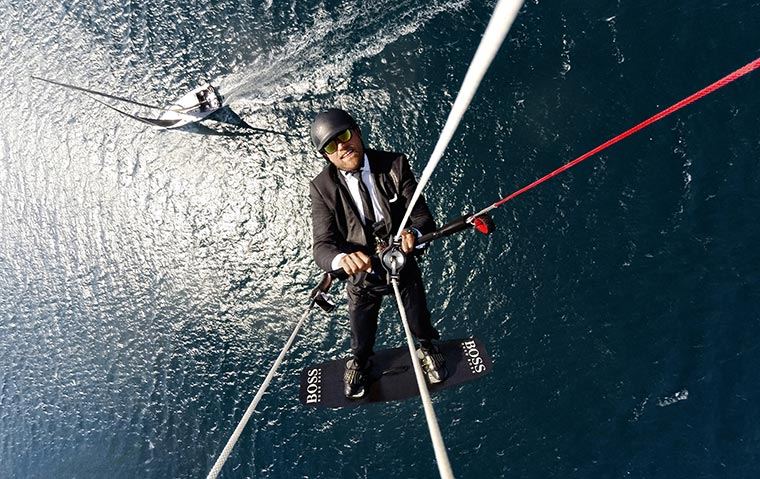 Stylischer Segel-Stunt: #Skywalk HugoBoss_Skywalk_01
