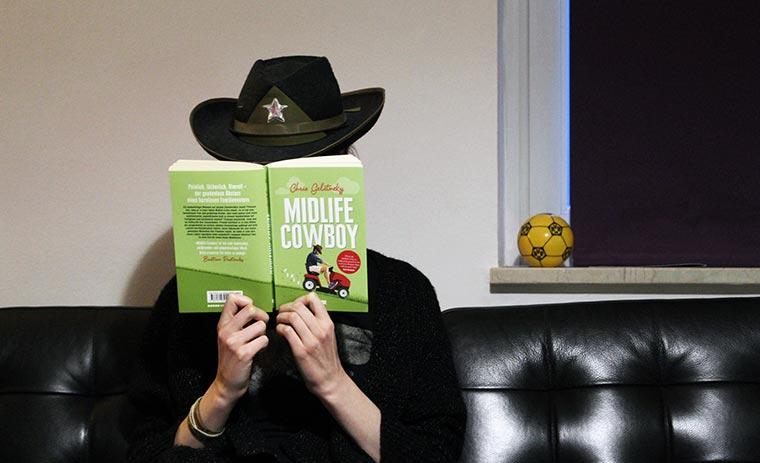"""Buchtipp: """"Midlife-Cowboy"""" von Chris Geletnekey Midlife-Cowboy_Spiesser_01"""