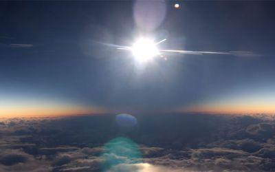 Sonnenfinsternis-flugzeug