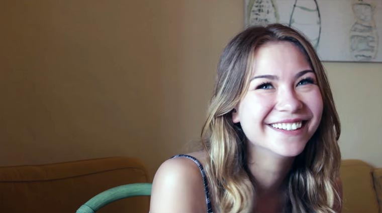 Miss Hamburg 2016 erzählt einen Witz…