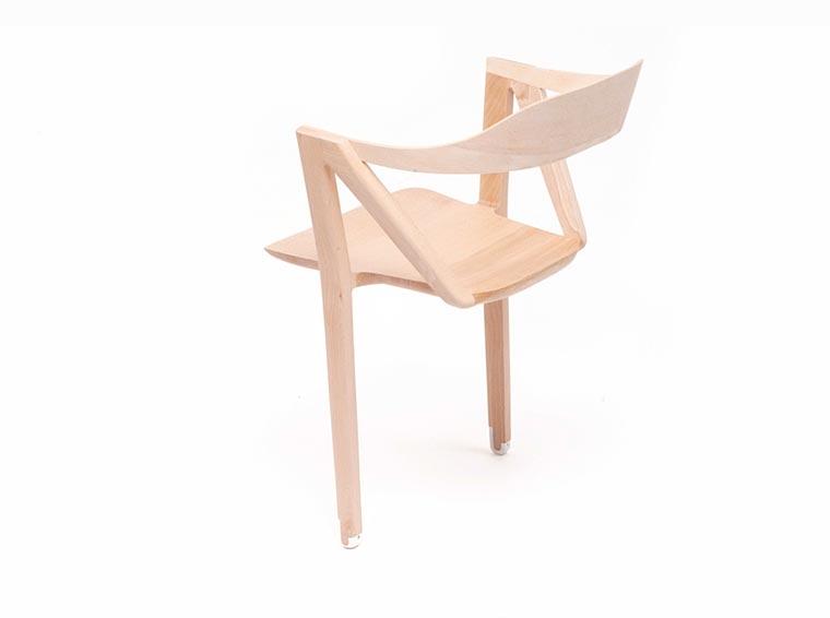 Auf zwei Beinen kannst du nicht sitzen... doch! zweibeinstuhl_05