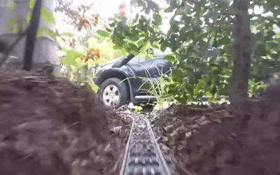 LEGO-train-garden