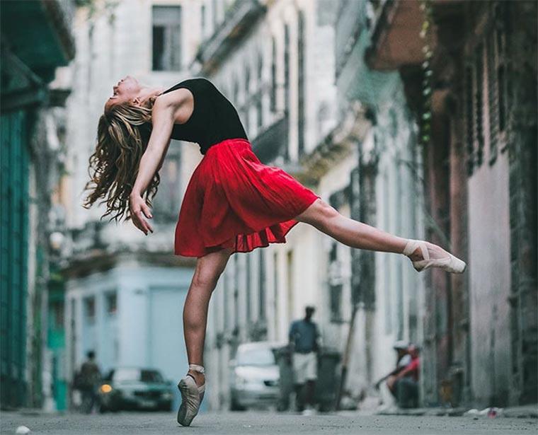 Tänzer auf den Straßen Kubas Omar-Robles_Dancing-cuba_01