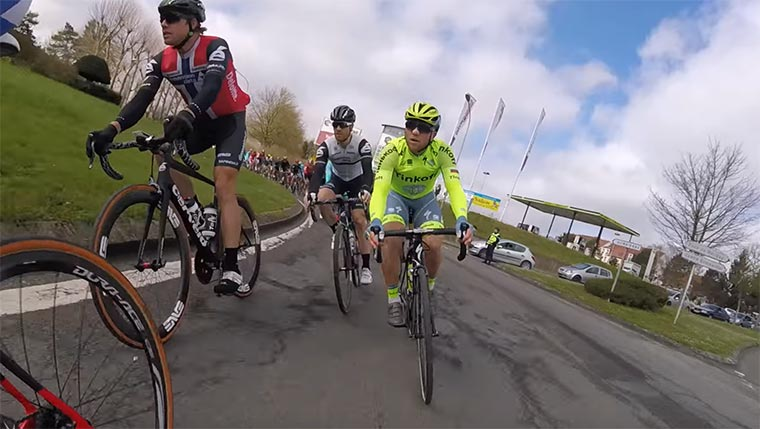 An Bord eines Radrennens Paris-Roubaix-POV
