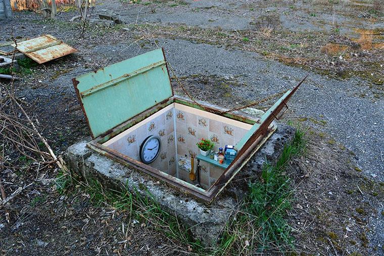Mini-Wohnräume in verlassenen Schächten borderlife_01