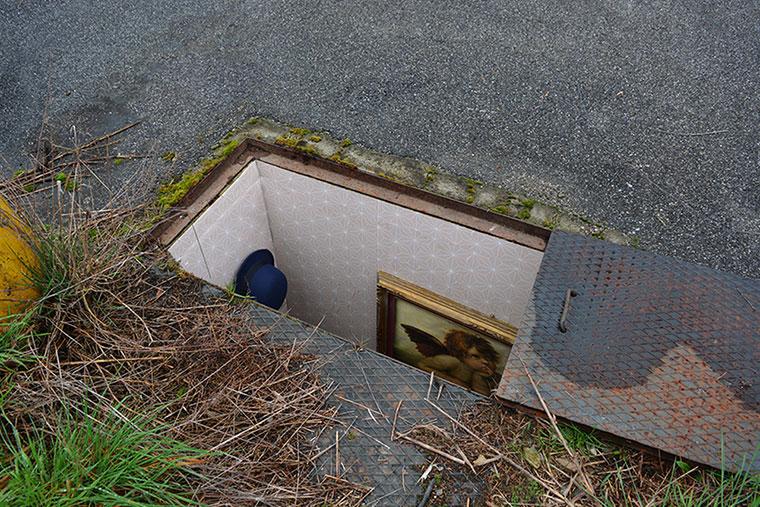 Mini-Wohnräume in verlassenen Schächten borderlife_02