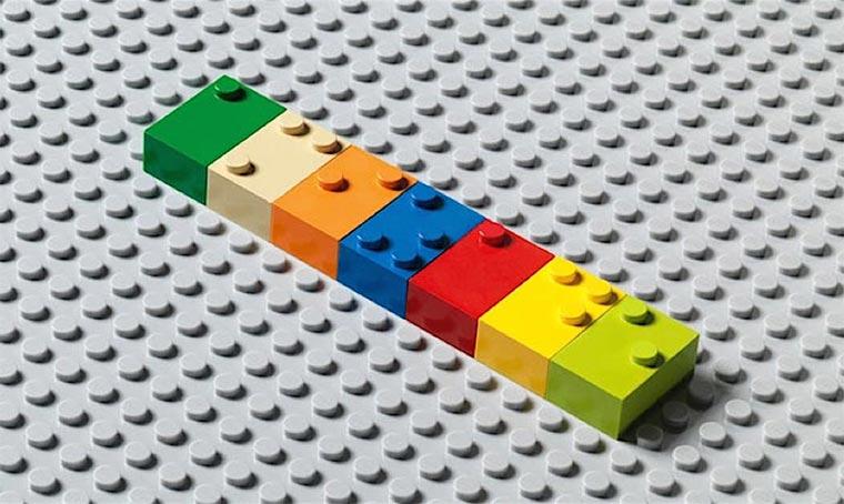 LEGO-Steine mit Brailleschrift