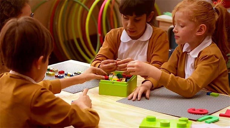 LEGO-Steine mit Brailleschrift Braille-Bricks_05