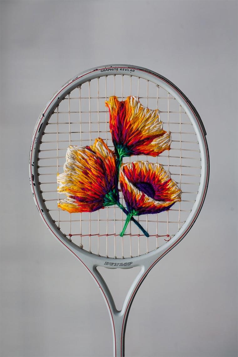 Bestickte Tennisschläger und Schuhe Danielle-Clough_02