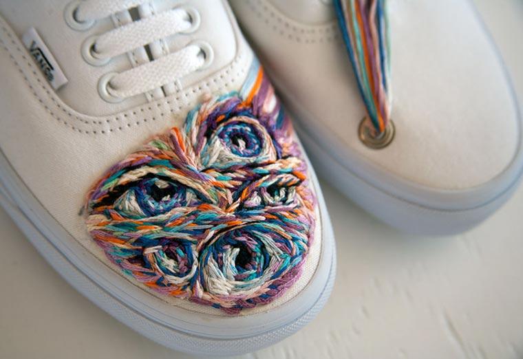 Bestickte Tennisschläger und Schuhe Danielle-Clough_05