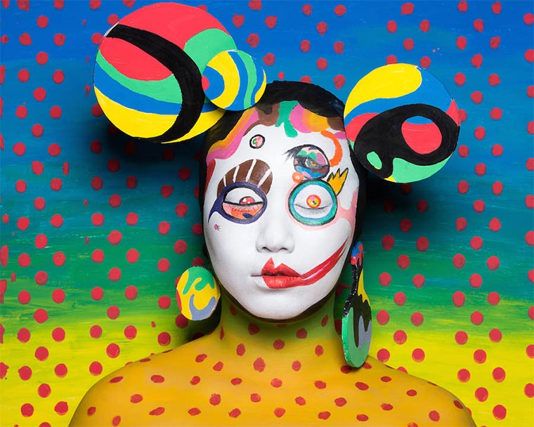 Knallbunte Kunst-Make-ups Murakami-Make-up_07