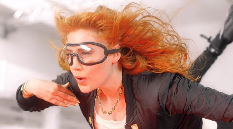 Palina Rojinski stellt sich der Haar-Challenge Palina-Pro-V-Test_01