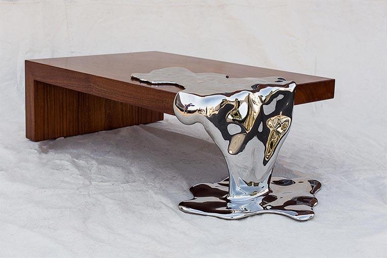 Möbel mit flüssigem Stahl
